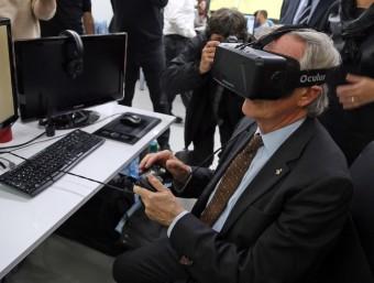 Barcelona, a la foto l'alcalde Trias, explora tots els camins per ser un referent del sector TIC.  JUANMA RAMOS