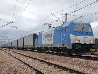 Tren de mercaderies de la companyia Comsa Rail Transport.  ARXIU