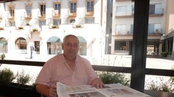 Josep Murlà, fotografiat a la plaça del Mig d'Olot, a pocs metres de la redacció de la Comarca. J.C