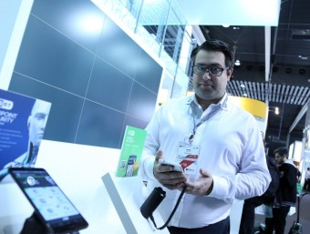 Josep Albors at the Eset stand during this year's Mobile World Congress.  Photo:QUIM PUIG