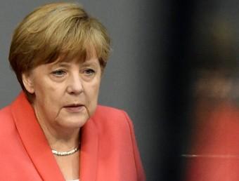 La cancellera Angela Merkel, ahir, durant la seva intervenció al Bundestagtobias schwarz / AFP