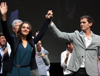 El president de C's, Albert Rivera, mira la candidata del partit al 27-S, Inés Arrimadas ACN
