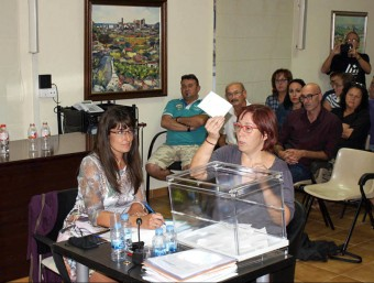 El ple de Calafell va aprovar l'adhesió a l'AMI amb una votació secreta a proposta de l'alcalde, Ramon Ferré (PSC), per facilitar la llibertat de vot. A. CALAFELL