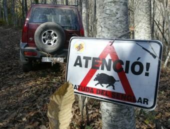 Un cartell avisant d'una batuda del senglar EUDALD PICAS