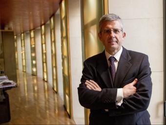 Mariano Muixí, a la seu central d'Arquia Banca, a Barcelona.  ALBERT SALAMÉ