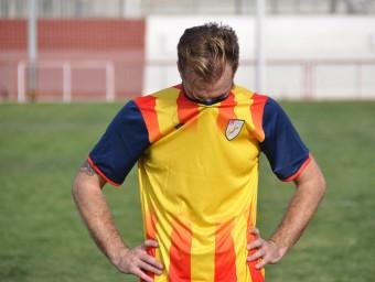 Sergi Moreno es lamenta de l'eliminació, un cop finalitzat el partit d'ahir contra Castella la Manxa ÁVARO MONTOLIU / FCF