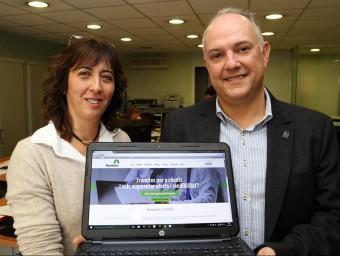 Cristina Pérez i Carles Boronat, dos dels tres creadors de Tramitatu.  Foto:JUANMA RAMOS
