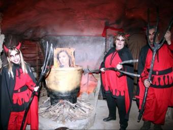 Les calderes de Pere Botero del Pessebre vivent de Linyola amb una foto de Soraya Sáenz de Santamaria ACN