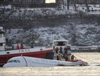 Accident de l'avió de la US Airways que va haver de fer un amaratge d'urgència al riu Hudson el 15 de gener de 2009.  ARXIU/JUSTIN LANE/EFE