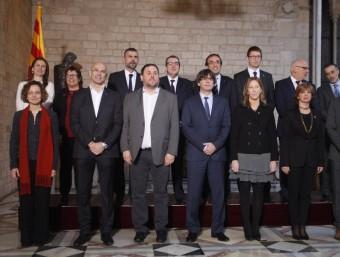 Foto oficial del nou govern de Carles Puigdemont ORIOL DURAN