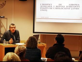 Josep Calvet va presentar la seva investigació dijous al Museu dels Jueus, dins el cicle 'Pirineus, frontera i refugi' MANEL LLADÓ