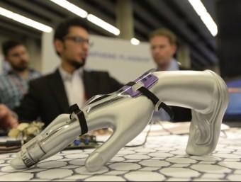 Un 'wearable' amb grafè per controlar la pressió exercida amb la mà i, per exemple, controlar les recuperacions ICFO/R. JOSA