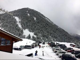 Afluencia d'usuaris a l'estació d'esquí Vallter 2000, aquest cap de setmana. IMATGE CEDIDA PER L'ESTACIÓ DE VALLTER 2000 / ACN