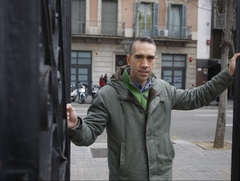 Aitor González, fundador de Txanogorritxu-Caputxeta Vermella, a Barcelona.  ORIOL DURAN