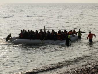 Una pastera arriba a l'illa de Lesbos REUTERS