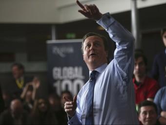 Cameron parla davant un grup d'estudiants de la universitat d'Exeter REUTERS