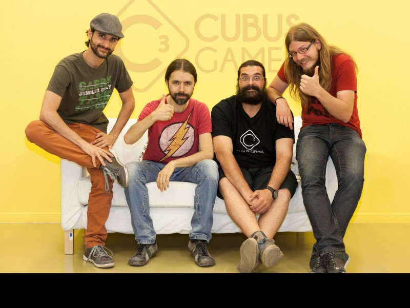 Part d'una aplicació. Els quatre emprenedors en una de les sales de Cubus Games a Igualada.  Foto:ARXIU ARXIU