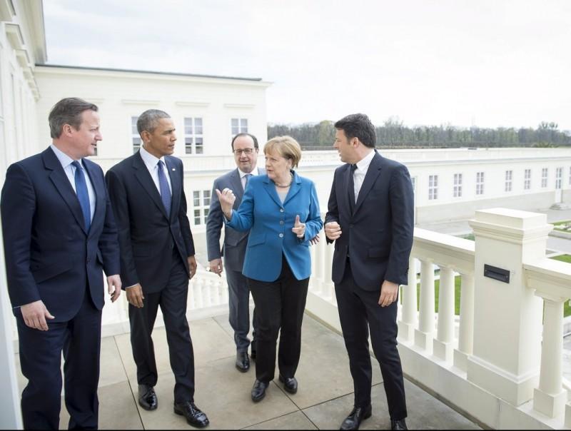 Obama es reuneix a Hannover amb Cameron, Merkel, Hollande i Renzi per evitar el BrexitT i impulsar el TTIP.  REUTERS