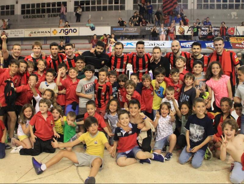 El Reus va celebrar jugar la lliga europea R. RODRÍGUEZ