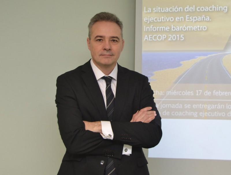 Juan Pablo Villa és advocat, expert en recursos humans i coach amb una gran experiència en negociacions.  L'ECONÒMIC