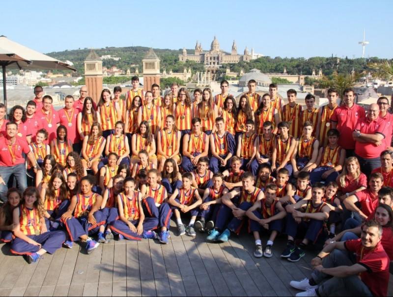 Foto de familia a l'Hotel Catalonia Plaza. FCBQ