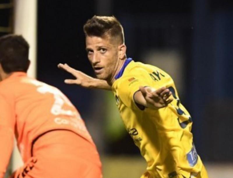 Máyor celebra un gol en l'Alcorcón-Tenerife LFP