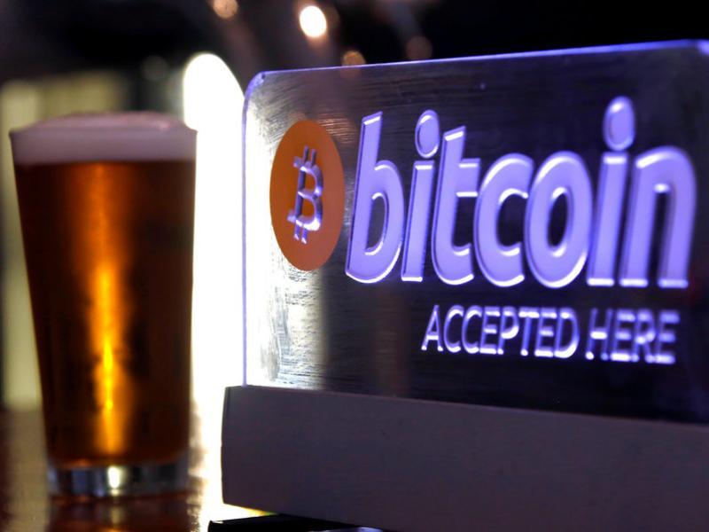 El bitcoin ha estat possible gràcies a la tecnologia de cadena de blocs, amb moltes més aplicacions.  REUTERS