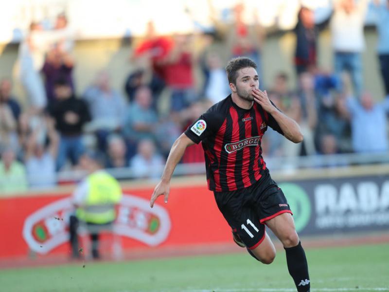 Fran Carbia celebra el gol que va donar la victòria al Reus, ahir al municipal contra el Cadis JOSÉ CARLOS LEÓN