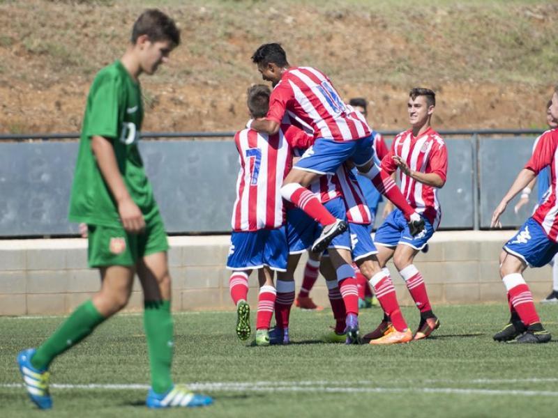 Els jugadors del Girona celebren un dels gols del partit d'ahir GLÒRIA SÁNCHEZ / ICONNA