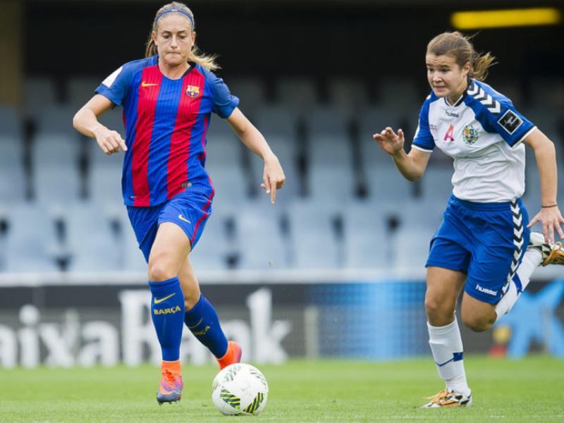 Alèxia, autora del segon gol, en un acció del partit FCB