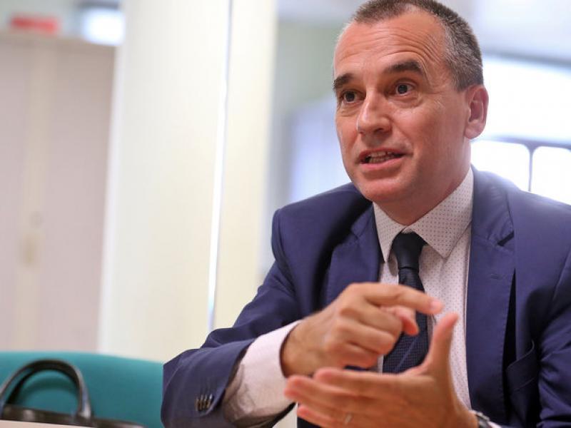 Joaquim Deulofeu en el moment de l'entrevista a la redacció de L'Econòmic.  Foto:JUANMA RAMOS