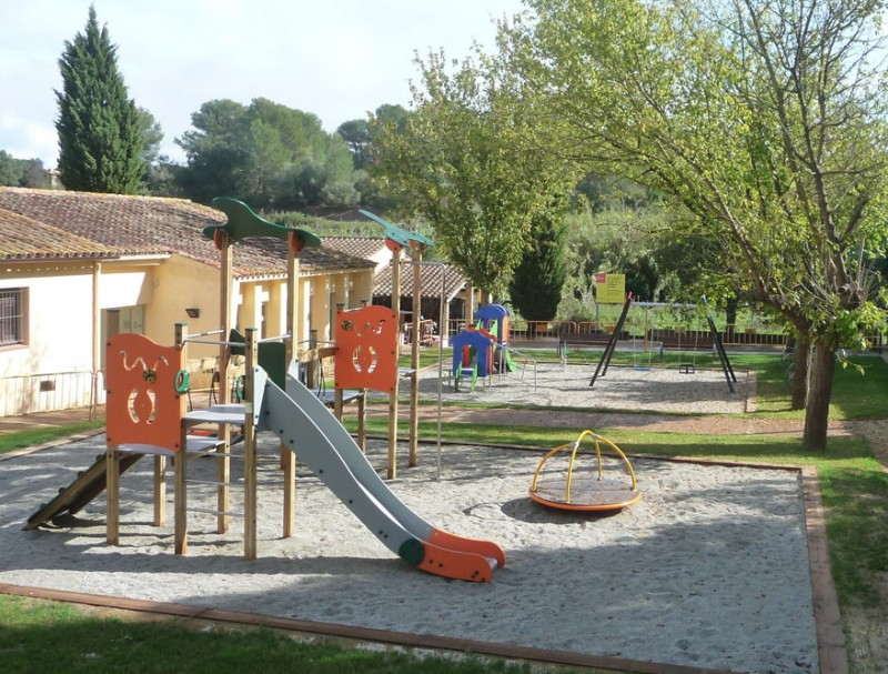 El nou espai equipat amb jocs infantils serà inaugurat diumenge E.C