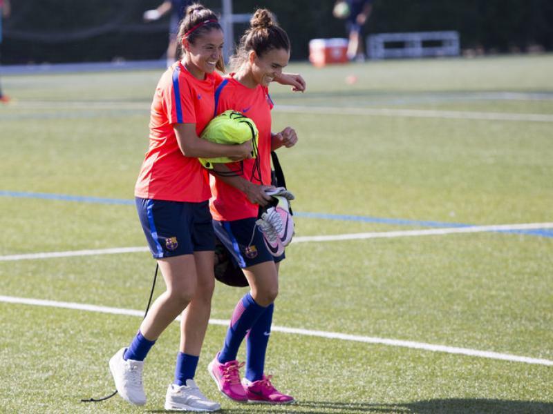 Olga Garcia i Melanie, en els instants previs a un entrenament Foto:A. SALAMÉ