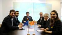 El president del Parlament, Roger Torrent, amb Carles Puigdemont i els diputats Toni Comín, Lluís Puig, Clara Ponsatí i Meritxell Serret