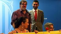 El conseller Jordi Puigneró acompanyat pel comediant Joan Pesarrodona