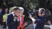 May i Macron parlen durant la cimera de caps d'estat i de govern de la UE de dijous passat a Salzburg