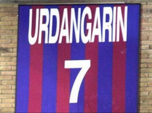 La samarreta d'Urdangarin penjada al Palau Blaugrana