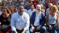 L'alcaldessa de l'Hospitalet, Núria Marín; el ministre Ábalos; Iceta, i la ministra Batet, ahir en la Festa de la Rosa de Gavà