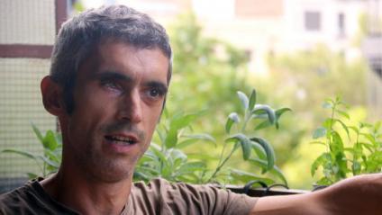 Roger Español durant l'entrevista amb l'agència ACN