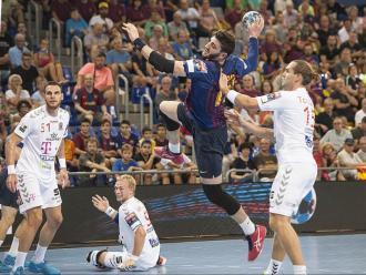 Ludovic Fàbregas, en una acció del partit d'ahir entre el Barça Lassa i el Veszprem hongarès