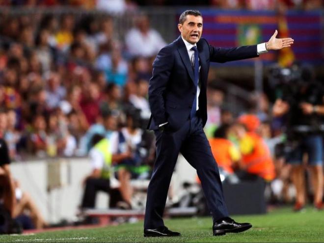 Valverde dona ordres als seus jugadors contra el Girona