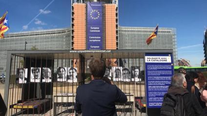 El muntatge 'Un poble empresonat' denuncia a Brussel·les l'existència de presos polítics a Espanya