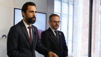 El president Torrent i el vicepresident Costa, ahir explicant aquest primer acord