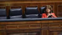 La ministra de Justícia, Dolores Delgado, sola al seu escó al ple del Congrés