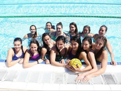El CN Sabadell manté el bloc del curs passat, amb l'única baixa de Pili Peña i la incorporació de Maggie Steffens