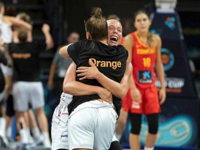 Contrast entre l'alegria belga i la decepció de Marta Xargay al fons