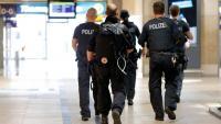 Agents de la policia al vestíbul de l'estació de Colònia