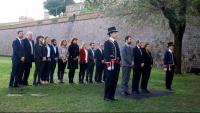 Torra, Torrent, Colau i membres del govern, ahir, al Fossar de Santa Eulàlia del castell de Montjuïc, on van afusellar Companys el 15 d'octubre del 1940