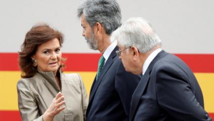 Calvo, amb el president del Tribunal Suprem, Carlos Lesmes, i el del TC, Juan José González Rivas, el 12-O
