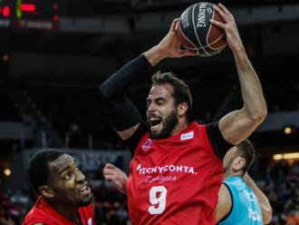 Dragovic atrapa un rebot el curs passat a Saragossa